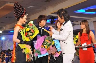 Lễ giỗ tổ ngành tóc Việt Nam và cuộc thi tìm kiếm tài năng trẻ tạo mẫu tóc lần thứ 4 năm 2010 - 5
