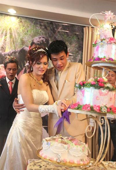 """Hiệp """"Gà"""" bối rối trong ngày cưới vợ mới - 12"""