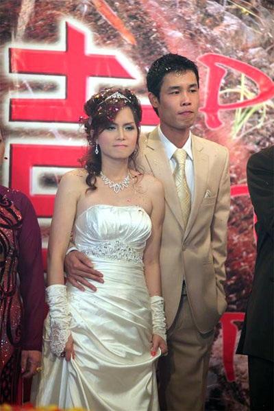 """Hiệp """"Gà"""" bối rối trong ngày cưới vợ mới - 9"""