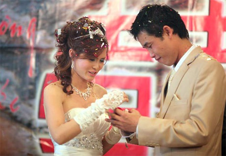 """Hiệp """"Gà"""" bối rối trong ngày cưới vợ mới - 10"""