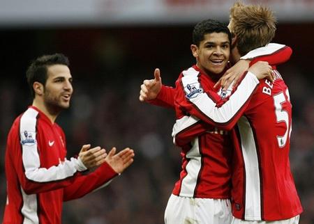 Hạ West Ham đầy thuyết phục, Arsenal chiếm ngôi đầu - 1