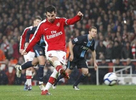 Hạ West Ham đầy thuyết phục, Arsenal chiếm ngôi đầu - 3