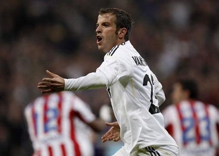 Real Madrid nhọc nhằn vượt ải Gijon - 2