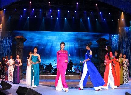 Duyên dáng Việt Nam lần thứ 22: Đưa biển vào sân khấu - 9