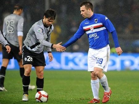 """Đến lượt Sampdoria buộc Juventus """"lê gối quy hàng"""" - 1"""