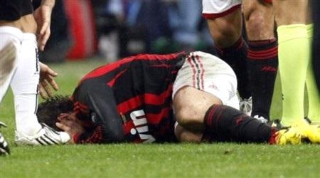 Chấn thương gân kheo, Pato vắng mặt 3 tuần - 1