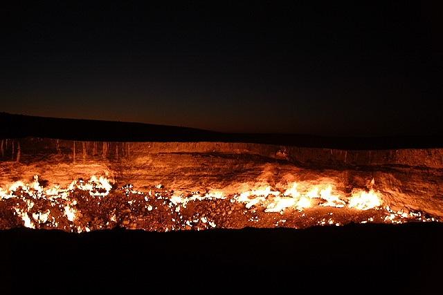 "Thăm ""Cổng địa ngục"" ở Uzbekistan - 8"