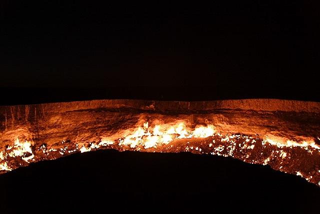 "Thăm ""Cổng địa ngục"" ở Uzbekistan - 7"