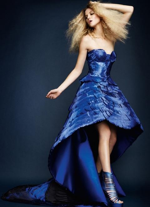 Kasia Struss quyến rũ với thời trang Atelier Versace  - 2