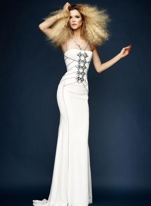 Kasia Struss quyến rũ với thời trang Atelier Versace  - 4
