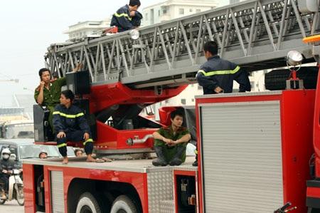 Cháy tại tòa nhà Keangnam, cứu hỏa phải… đứng nhìn - 4