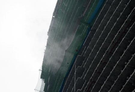 Cháy tại tòa nhà Keangnam, cứu hỏa phải… đứng nhìn - 1