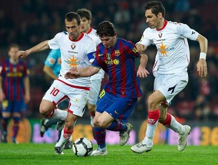 """Ibrahimovic """"phát hỏa"""", Barca tạm chiếm ngôi đầu - 2"""