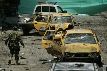 Bom xe xé toạc hải cảng Thái Bình Dương, 6 người chết - 1