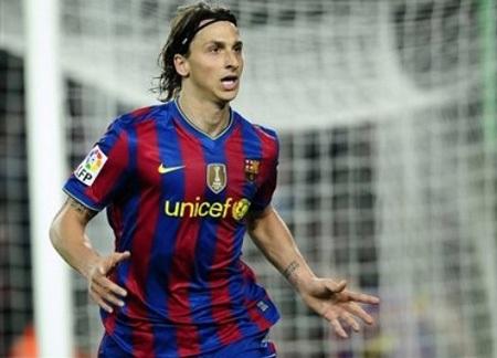 """Ibrahimovic """"phát hỏa"""", Barca tạm chiếm ngôi đầu - 3"""