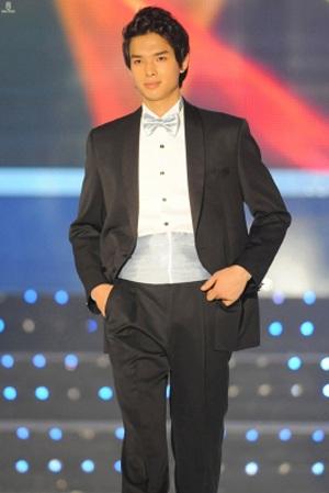 Mr.World 2010 xác định 3 gương mặt lọt vào chung kết  - 1