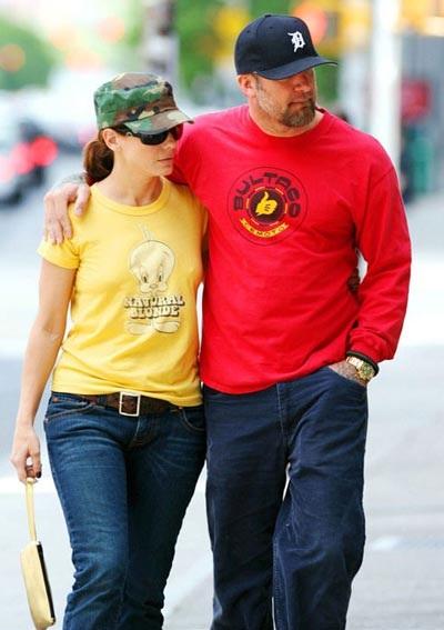 """Sandra Bullock yêu mù quáng..."" - 2"