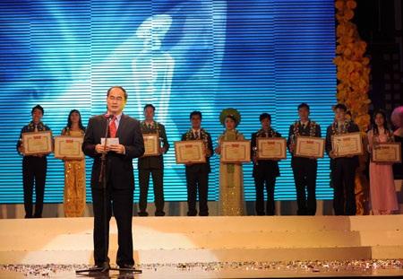 10 gương mặt trẻ tiêu biểu nhất Việt Nam 2009 - 7