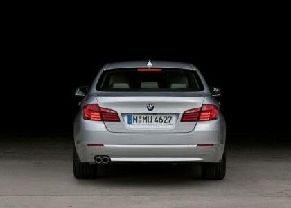 BMW 5-Series 2011 rẻ hơn phiên bản cũ - 10