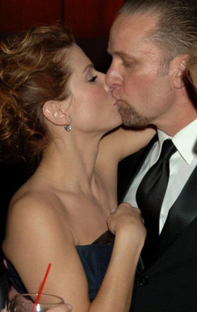 """Chồng Sandra Bullock liên tục bị tố """"ăn chả"""" - 1"""