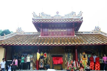 Trùng tu lăng Minh Mạng bằng vật liệu xưa  - 1