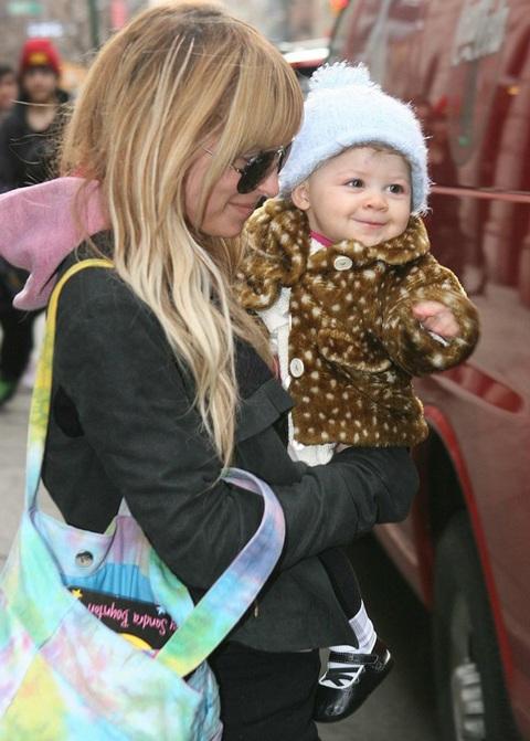 Ngắm con gái dễ thương của Nicole Richie  - 1