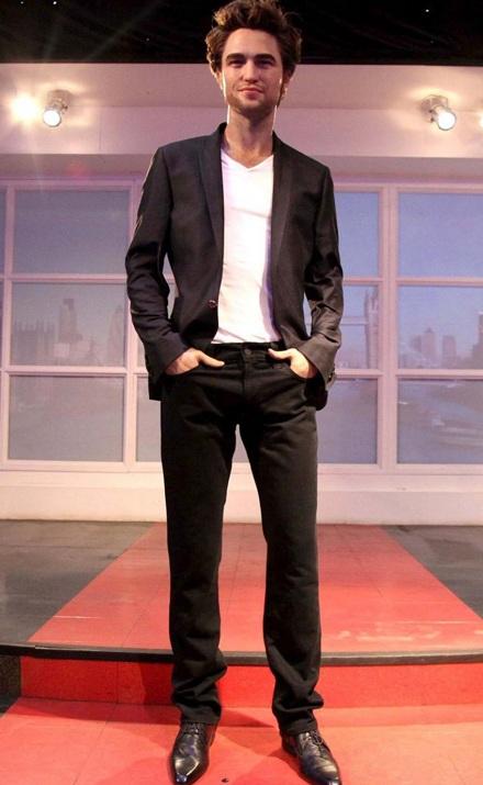 """Ngắm tượng sáp """"ma cà rồng"""" Robert Pattinson - 6"""