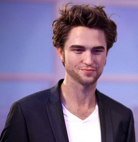 """Ngắm tượng sáp """"ma cà rồng"""" Robert Pattinson - 7"""