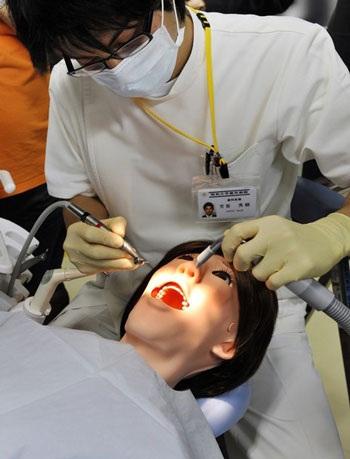 Nhật trình làng robot bệnh nhân  - 2