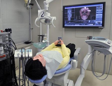 Nhật trình làng robot bệnh nhân  - 4