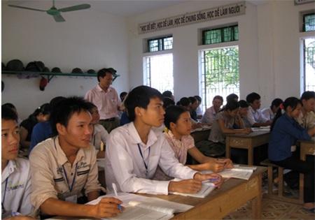 """Cậu học sinh vượt khó, học giỏi """"nức tiếng"""" ở Hà Tĩnh - 1"""