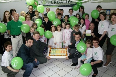 Herbalife và Hành trình 30 năm phát triển cuộc sống cộng đồng - 3