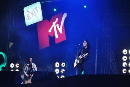 """MTV Exit """"đốt cháy"""" Sân vận động Mỹ Đình - 7"""