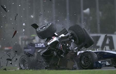 Button đăng quang ấn tượng, Vettel lại thua đau - 1