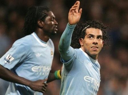 Tevez lập hat-trick giúp Man City khuất phục Wigan - 1
