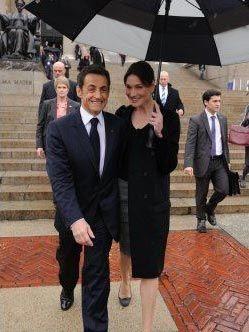 Vợ chồng Tổng thống Pháp dập tin đồn về trục trặc hôn nhân - 10