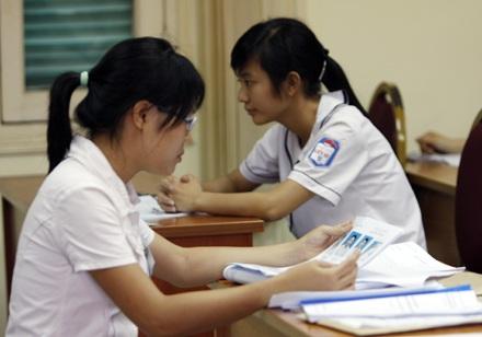 Học sinh THPT có được nộp hồ sơ trực tiếp tại trường ĐH, CĐ?  - 1