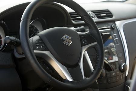 Suzuki Kizashi Sport 2011 ra mắt sớm - 8