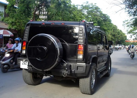Hummer H2 Lux được áp thuế nhập khẩu của… xe tăng - 1