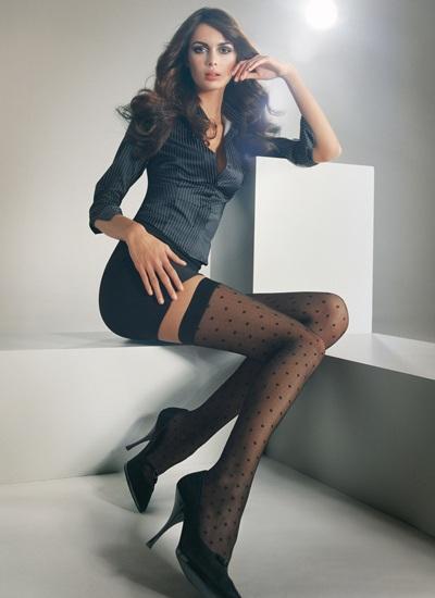 Mia Rosing khoe chân siêu dài trong quảng cáo Wolford  - 4