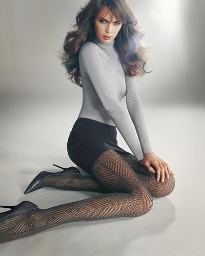 Mia Rosing khoe chân siêu dài trong quảng cáo Wolford  - 20
