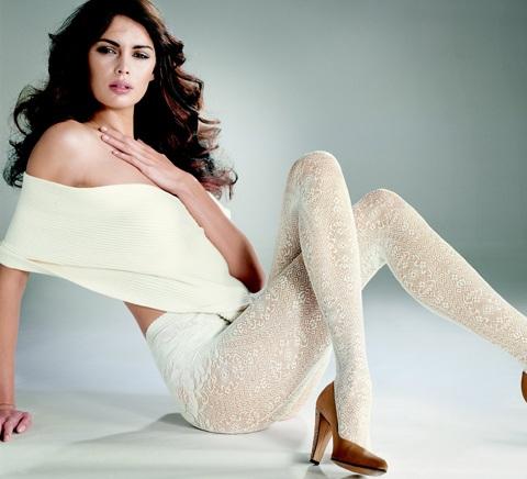 Mia Rosing khoe chân siêu dài trong quảng cáo Wolford  - 14