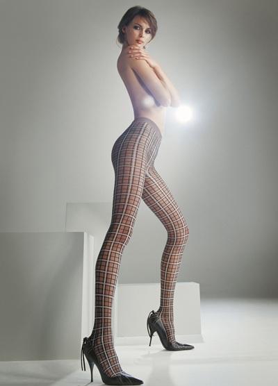 Mia Rosing khoe chân siêu dài trong quảng cáo Wolford  - 16