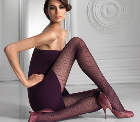 Mia Rosing khoe chân siêu dài trong quảng cáo Wolford  - 23