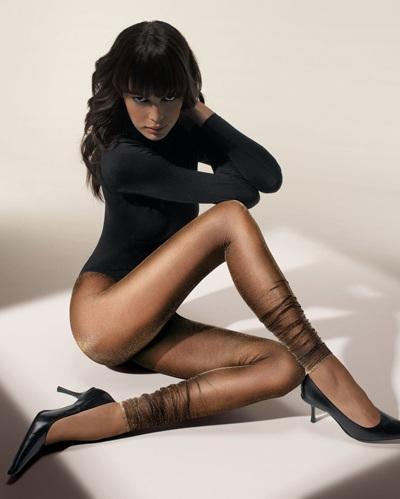 Mia Rosing khoe chân siêu dài trong quảng cáo Wolford  - 25