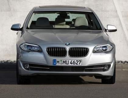 BMW 528i phiên bản 2011 rẻ hơn, mạnh mẽ hơn - 1