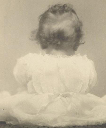 Tiết lộ ảnh ngộ nghĩnh thời thơ ấu của Nữ hoàng Anh - 5