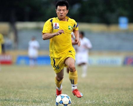 SL Nghệ An thắng lớn trong ngày Văn Quyến trở lại  - 1
