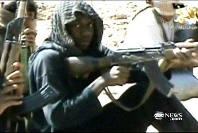 Lộ video Al-Qaeda huấn luyện kẻ đánh bom máy bay Mỹ - 1