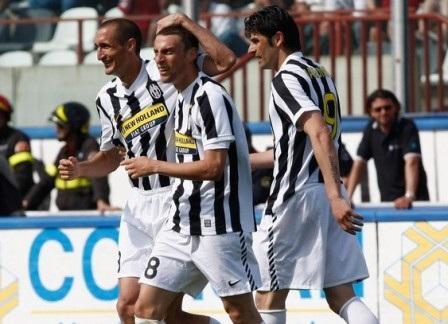 Hòa tai hại, Juventus tan tành mộng Champions League - 2
